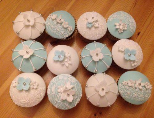 Vintage Lace Wedding Cupcakes